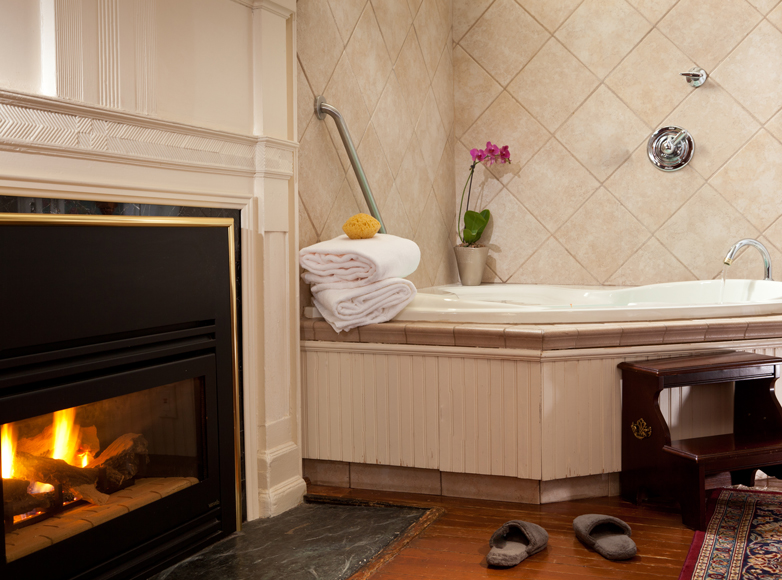 Photo of guest whirpool and fireplace at NC Inn